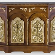 Жертвенник деревянный 5-гранный №2 с двумя дверцами и позолоченными элементами фото