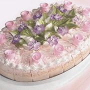 Торт Свадебный - Вишневый. Вес: 1,5 кг; 3 кг. Прием заказа: 2 дня. Слои бисквита пропитанные желейным сиропом и соединены суфле с вишнями в собственном соку фото