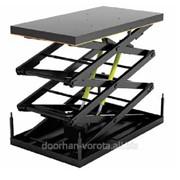 Подъемный стол с тремя парами ножниц фото