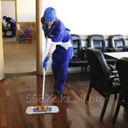 Услуга по уборке офиса фото
