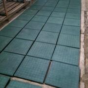 Резиновая плитка зеленая фото