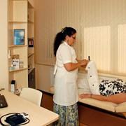 Гирудотерапия (лечение пиявками), Харьков. Постановка 1-й пиявки (количество зависит от характера заболевания) фото