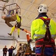 Стажировка работников в области работ на высоте фото