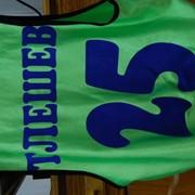 Нанесение фамилий,номеров,логотипа на спортивную экипировку фото