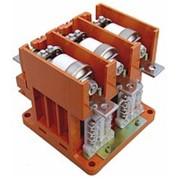 Поставка низковольтных вакуумных контакторов серии КВн 3-250/1,14-4,5. Продажа вакуумных контакторов. Небольшими габаритными размерами и малая масса оборудования. Ресурс работы в разы больше чем у аналогичного типа электромагнитных контакторов. фото