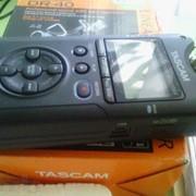 Рекордер Tascam DR-40 фото