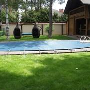 Защитное накрытие для уличного бассейна фото