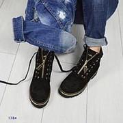 Женские зимние замшевые ботинки на молниях со шнуровкой фото