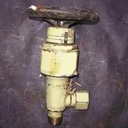 Клапан запорный штуцерный угловой с кронштейном для крепления 521-03.147-2 фото
