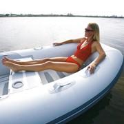 Пластиковая лодка WALKER BAY фото