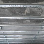 Устройство подвесного потолка реечного фото