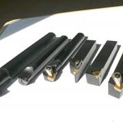 Резец сборный с механическим креплением пластины фото