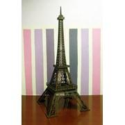 Эйфелевая башня в масштабе 1:300 фото