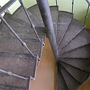 Винтовая металлическая лестница фото