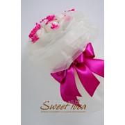 Букет из конфет Sweet idea из органзы и Raffaello фото