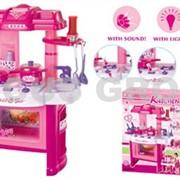 Детская игровая кухня с имитацией звуков приготовления пищи и световыми эффектами фото
