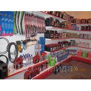 Магазин автозапчастей, оборудованный металлическими стеллажами фото