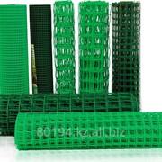 Сетка пластиковая для ограждения, заборная полимерная рабица фото