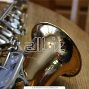 Игра саксофониста фото