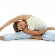 Групповая тренировка фитнес-йога фото