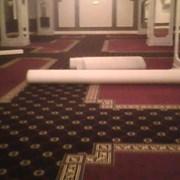 Укладка ковровых покрытий . фото