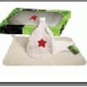 """Набор из двух предметов (Шапка Буденовка белая, коврик) """"Hot Pot"""" в подарочной коробке фото"""