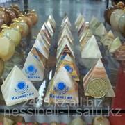 Сувенир Пирамида Казахстан оникс фото
