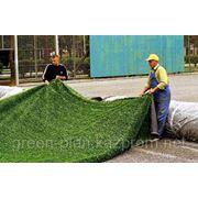 Укладка искусственного газона фото