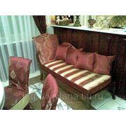 Чехлы на стулья, пуфы, мягкую мебель фото