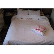 Вышивка на постельном белье фото