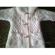 Детское вязаное пальто фото
