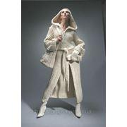 Вязаное пальто с капюшоном. фото