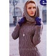 Вязаный свитер с капюшоном. фото