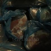 Мясо свинины, окорок без кости фото