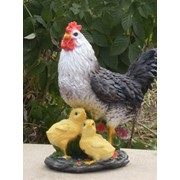 Декоративная фигура курица с цыплятами фото