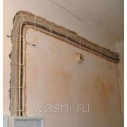 Прокладка провода под штукатурку по стенам или в бороздах фото