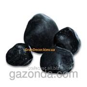 Природный камень мраморная галька черная 40-60 мм фото