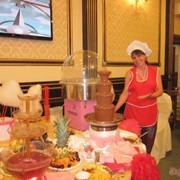 Шоколадный фонтан, сладкая вата, фонтан для напитков в аренду фото