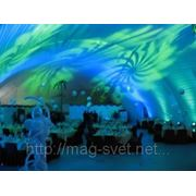 Прокат и аренда 16 светодиодных голов с подвесом до 5,5 м на Новогодние мероприятия фото