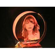 Портрет в стекле - лазерная гравировка фото