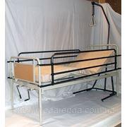 Аренда трехсекционной кровати с поручнями, надкроватной трапецией и медицинским матрасом в комплекте. фото