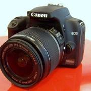 Зеркальная фотокамера Canon EOS 1000D kit 18-55 IS фото