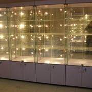 Изготовление стеклянных витрин фото