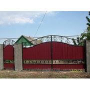 Поликарбонат,монтаж,замена и установка на ворота,забор ,навес,козырек. фото