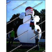 Надувная новогодняя фигура. Снеговик фото