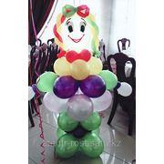 Украшение шарами, тканью, цветами фото