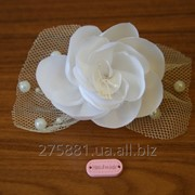 Свадебная заколка ручной работы, белая с цветком ручной работы фото