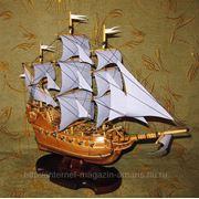 Производство моделей парусного корабля с фиолетовыми парусами фото