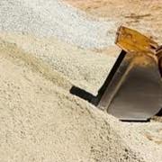 Доставка песка речного и овражного. фото
