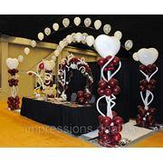 Украшение зала воздушными шарами фото